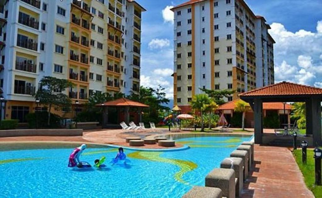 Apartments In Kampong Dew