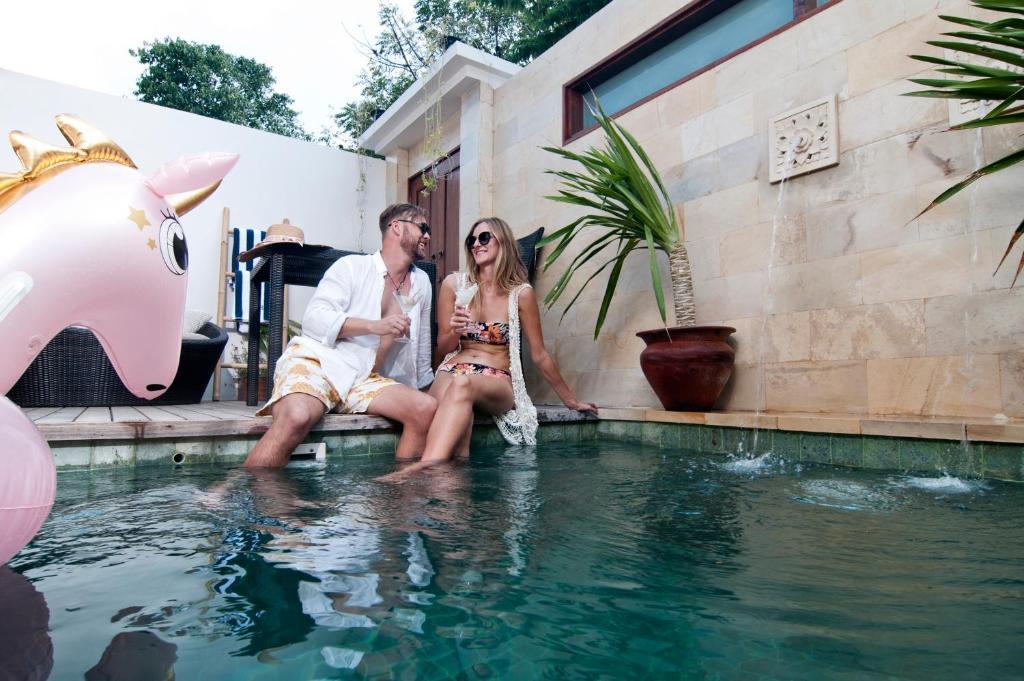 The swimming pool at or close to Ke Rensia Private Pool Villas Gili Air