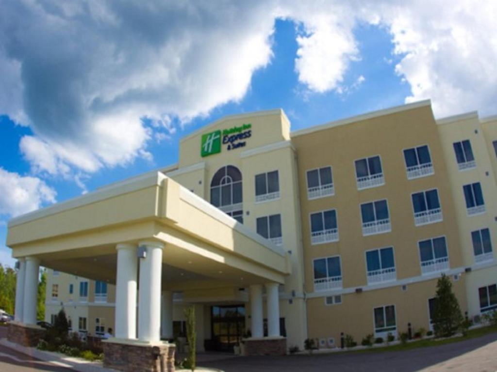 Holiday Inn Express & Suites Havelock Northwest New Bern