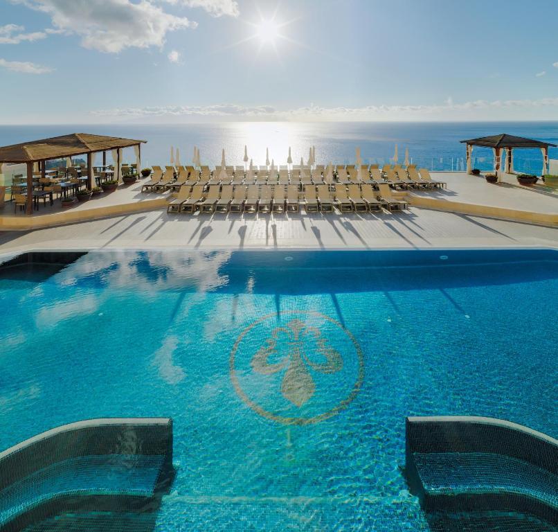 The swimming pool at or close to Royal Sun Resort