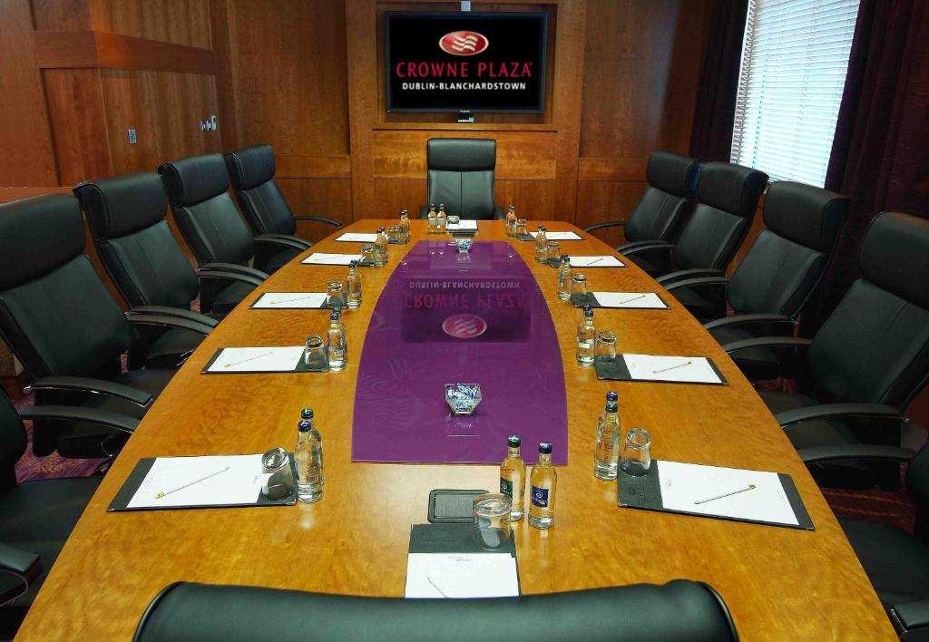 The business area and/or conference room at Crowne Plaza Dublin Blanchardstown