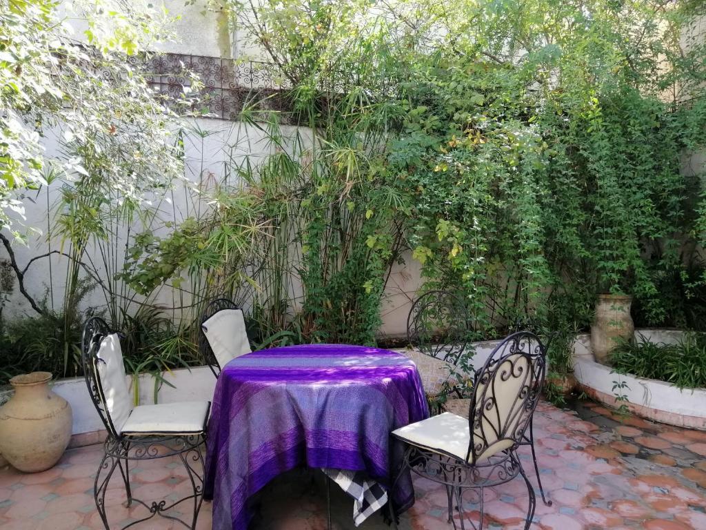 Restaurant ou autre lieu de restauration dans l'établissement Dar Ines