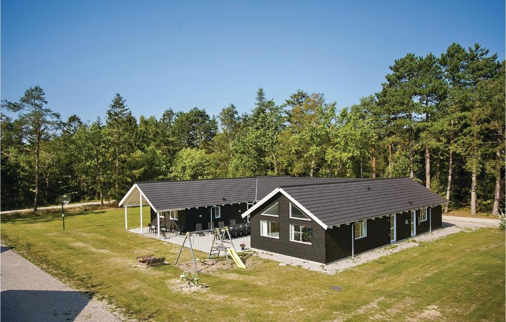 Eight-Bedroom Holiday home Frederiksværk with a room Hot Tub 05