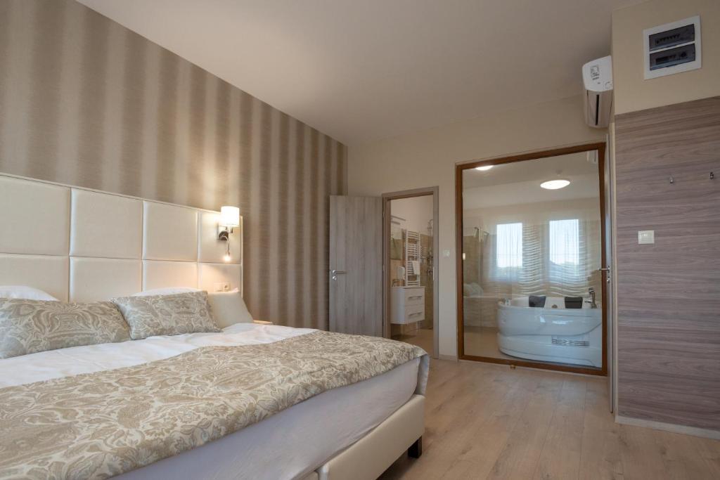 Hotel Falukozpont