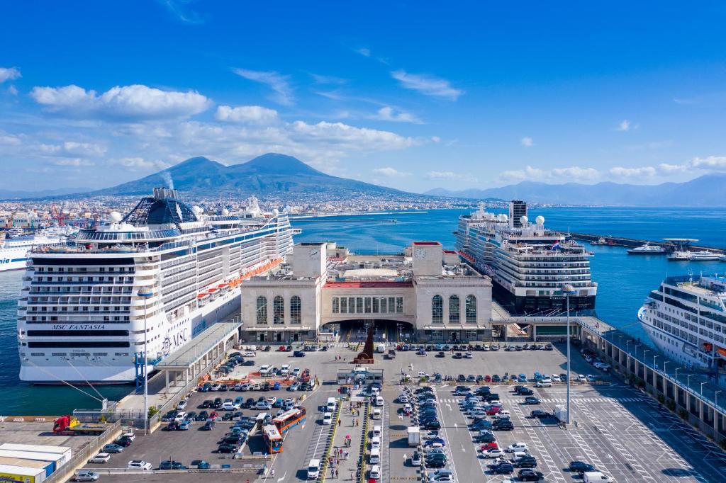 A bird's-eye view of Smart Hotel Napoli