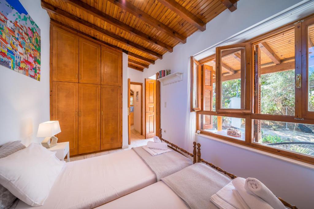 Fairytale House - Aghia Marina, Aegina Island