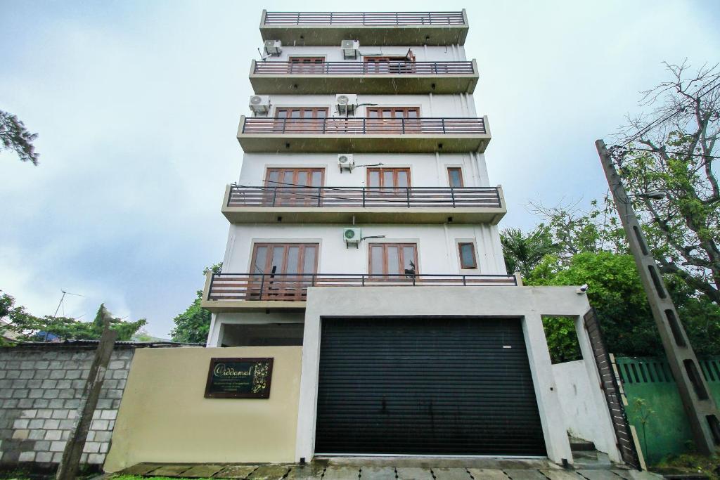 Iddamal Apartments