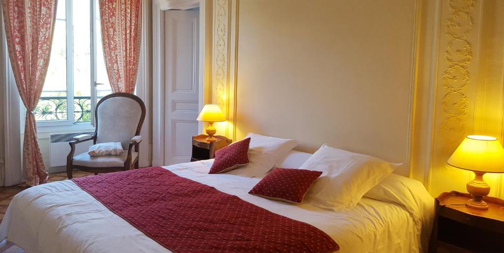 Condo Hotel Aux Meubles Du Manoir Aix Les Bains France Booking Com