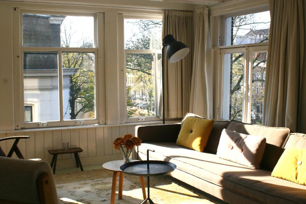 Coin salon dans l'établissement Miauw Suites, canal view city centre hotel