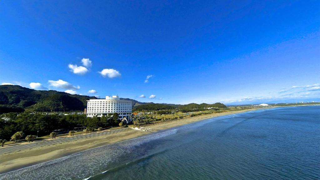 A bird's-eye view of ANA Holiday Inn Resort Miyazaki