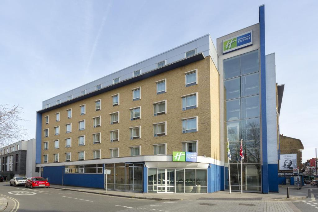Holiday Inn Earls Court, London, UK - Booking.com