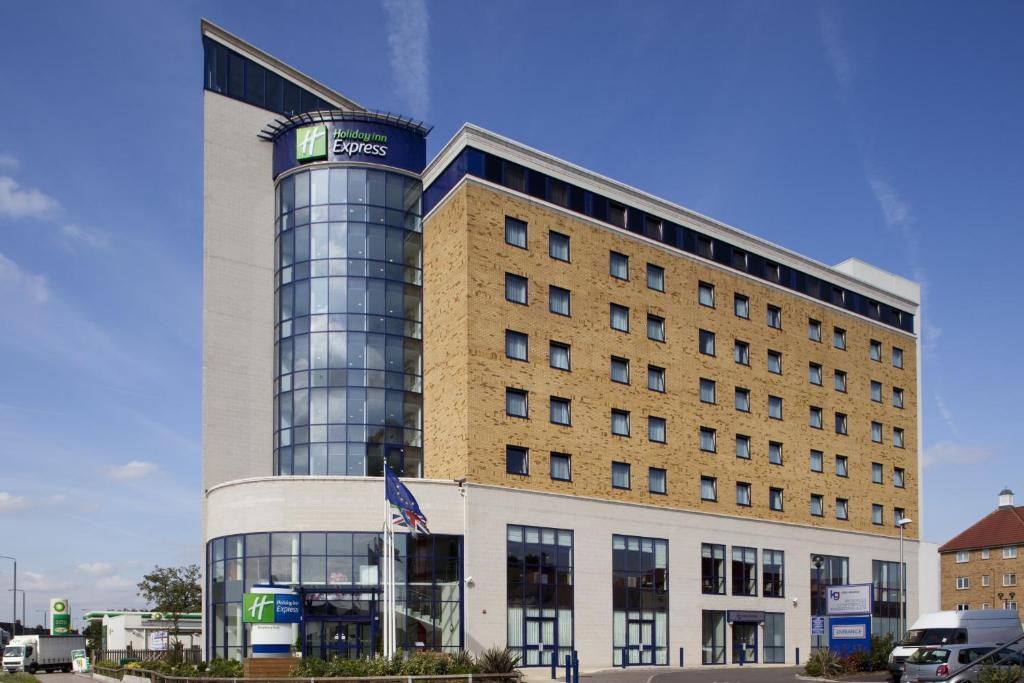 Holiday Inn London - Newbury Park, Ilford, UK - Booking.com