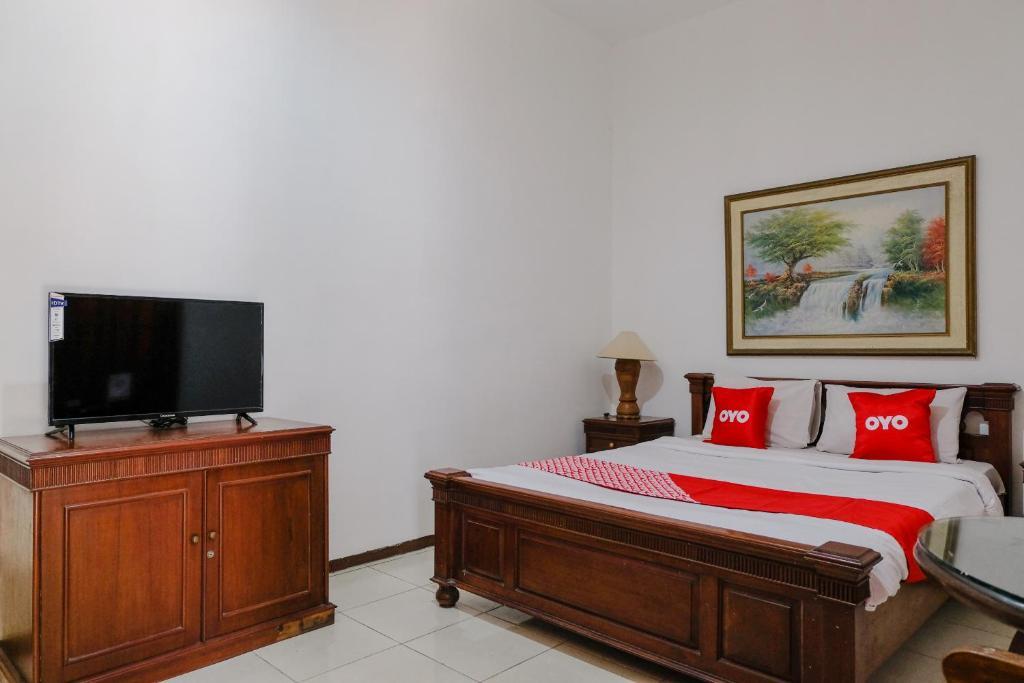 Oyo 1614 Hotel Mandala Puri Malang Indonesia Booking Com