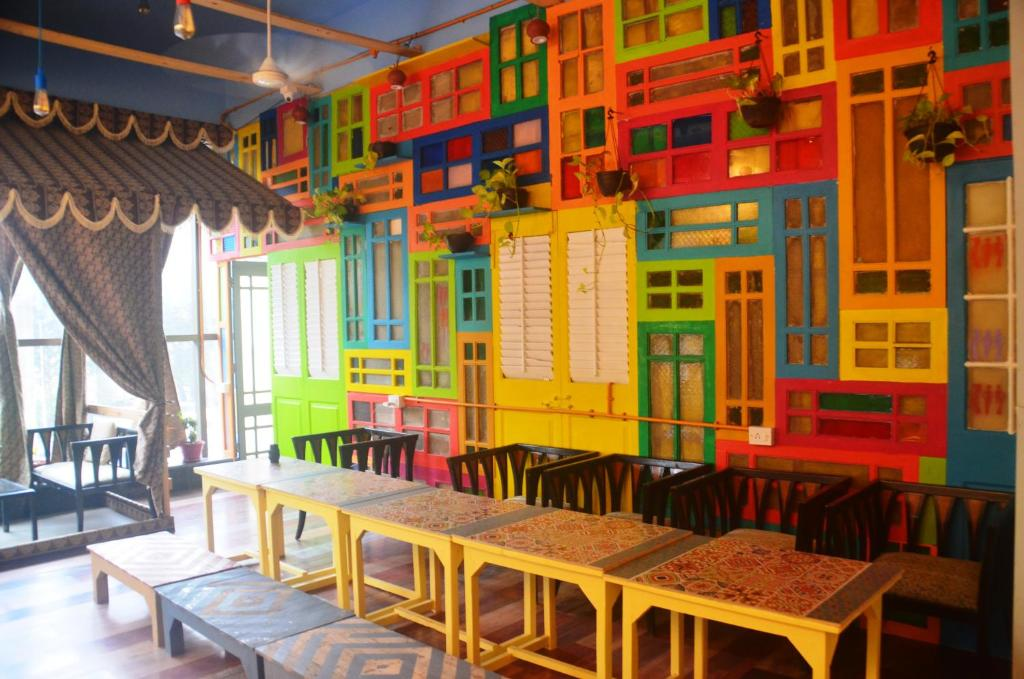 The lounge or bar area at Salaam Namastey Backpakers
