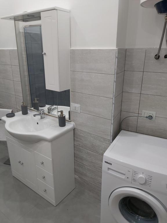 Cele mai bune 10 apartamente din Messina, Italia | vinderepede.ro