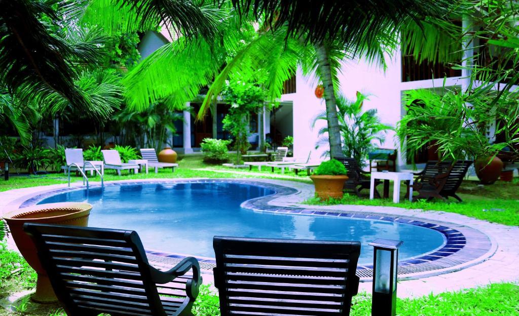 Swimmingpoolen hos eller tæt på Moonstone Villas