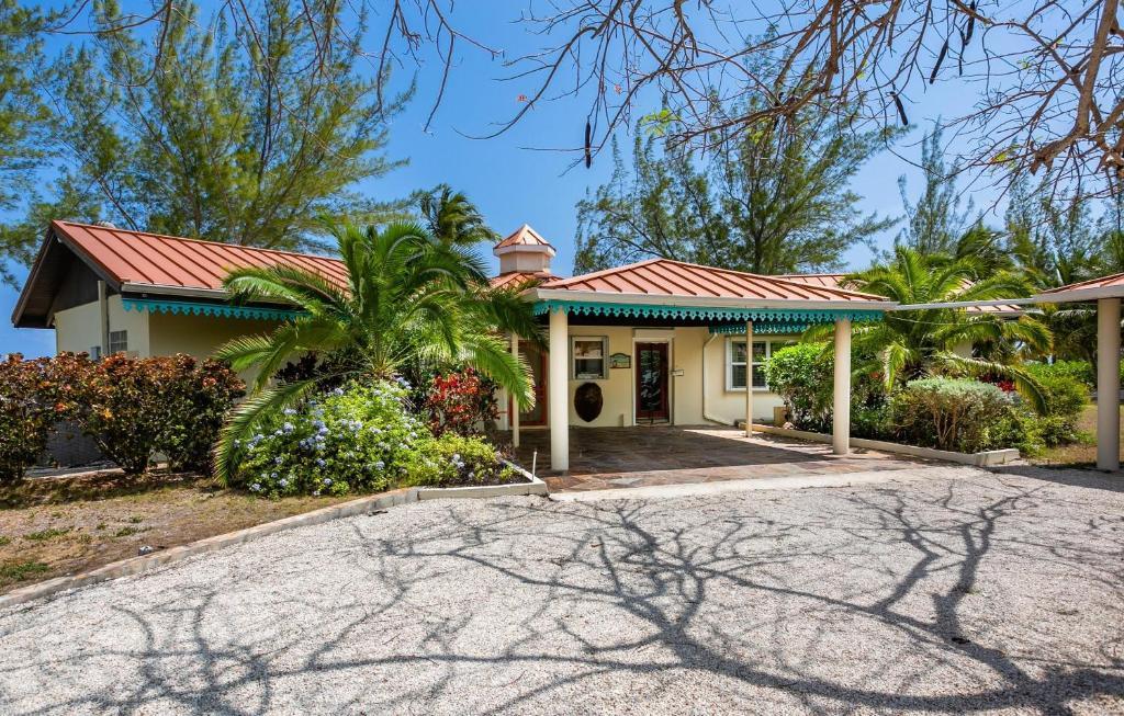 Casa Tortuga by Cayman Villas