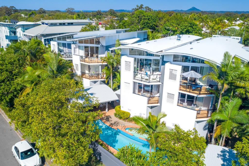 A bird's-eye view of Twin Quays Noosa
