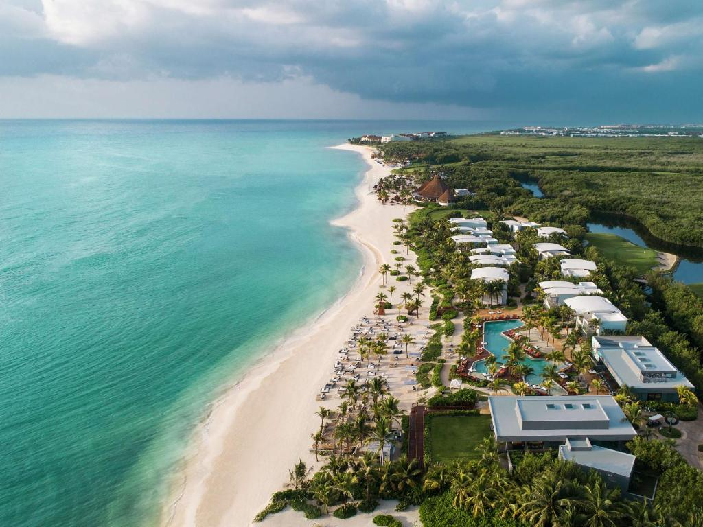 A bird's-eye view of Andaz Mayakoba - a concept by Hyatt