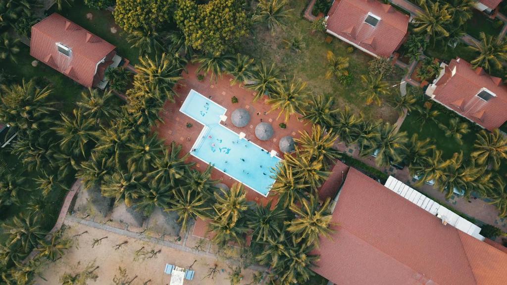 Tầm nhìn từ trên cao của Huong Phong Ho Coc Beach Resort
