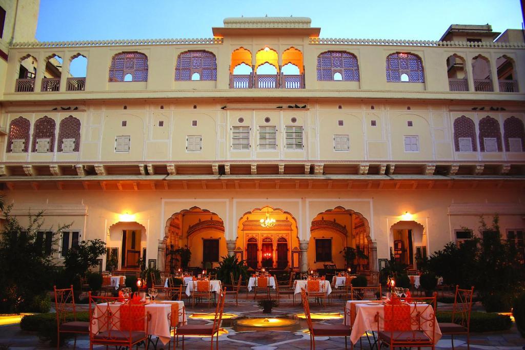 Samode-Haveli-Heritage-Hotel-In-Rajasthan