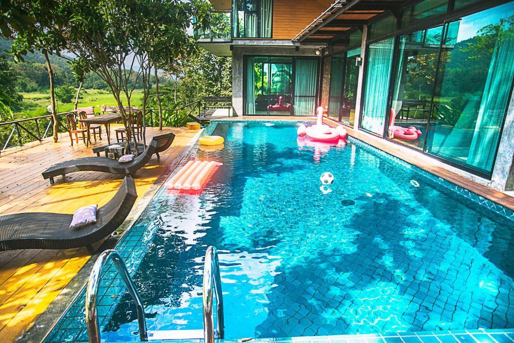 swimming pool thailand