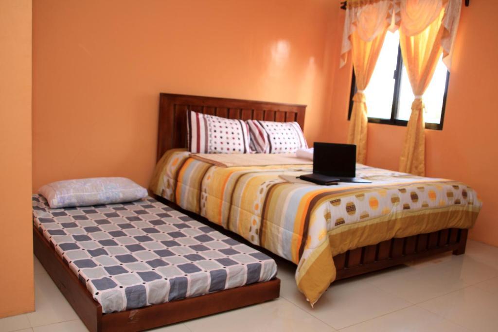 M. Cabildos Transient Room 5
