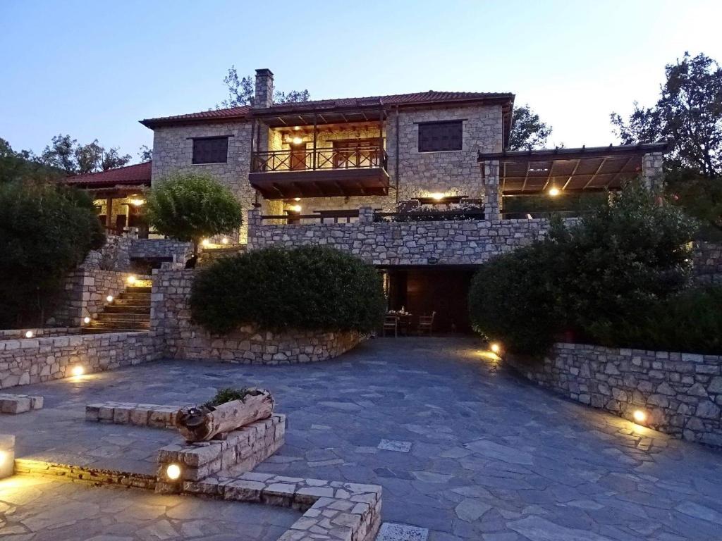 Τείχιο Βίλα - Tihio Villa - Πετρόχτιστη βίλα
