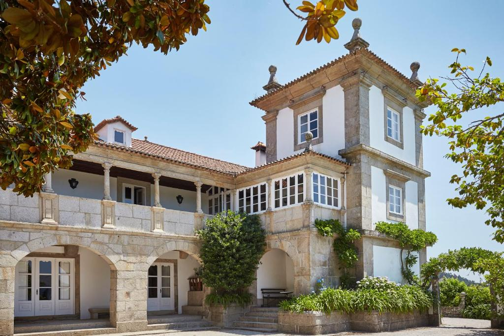 Bed And Breakfasts In Romarigães