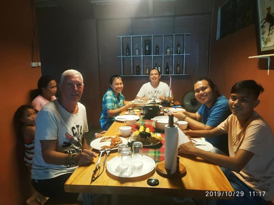Laguno Bed And Breakfast Hostelにあるレストランまたは飲食店