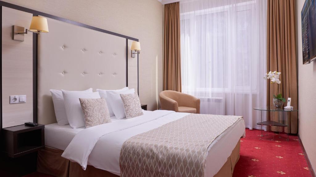 Кровать или кровати в номере Best Western Калуга