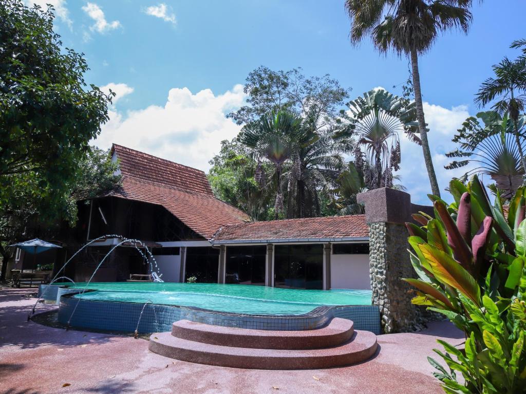 Oyo 44096 101 Resort Spa Kampung Janda Baik Malaysia Booking Com