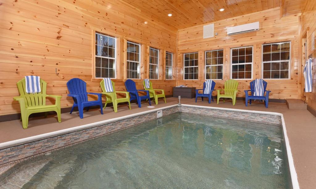 Vacation Home Keaton S Kottage Pigeon Forge Tn Booking Com