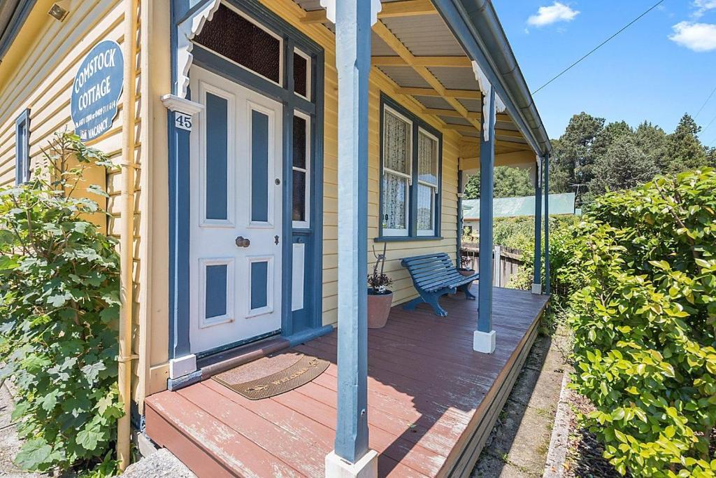 Benvenuti, To Comstock Cottage