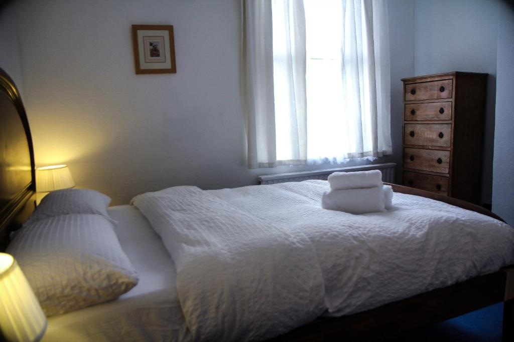 King Size Bed B B Self Catering London Uk Booking Com