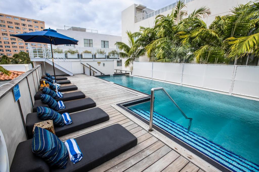 Bazén v ubytování Posh South Beach nebo v jeho okolí