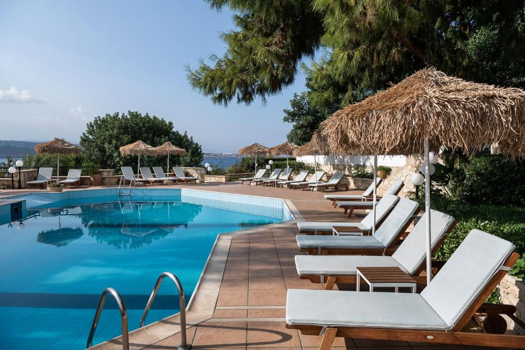 The swimming pool at or close to Alianthos Suites