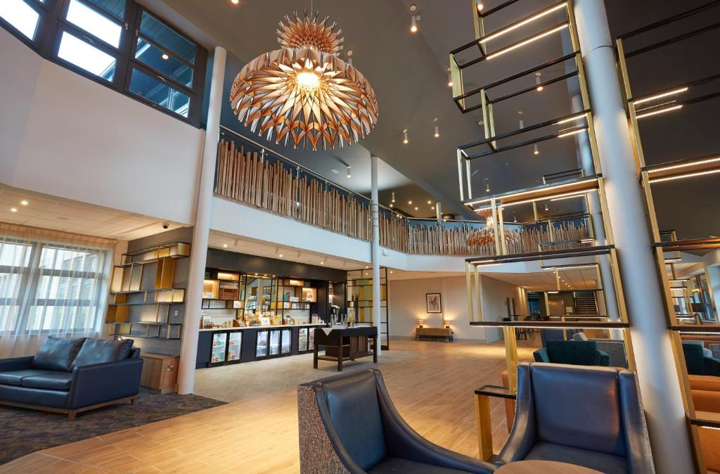 The lobby or reception area at Wychwood Park