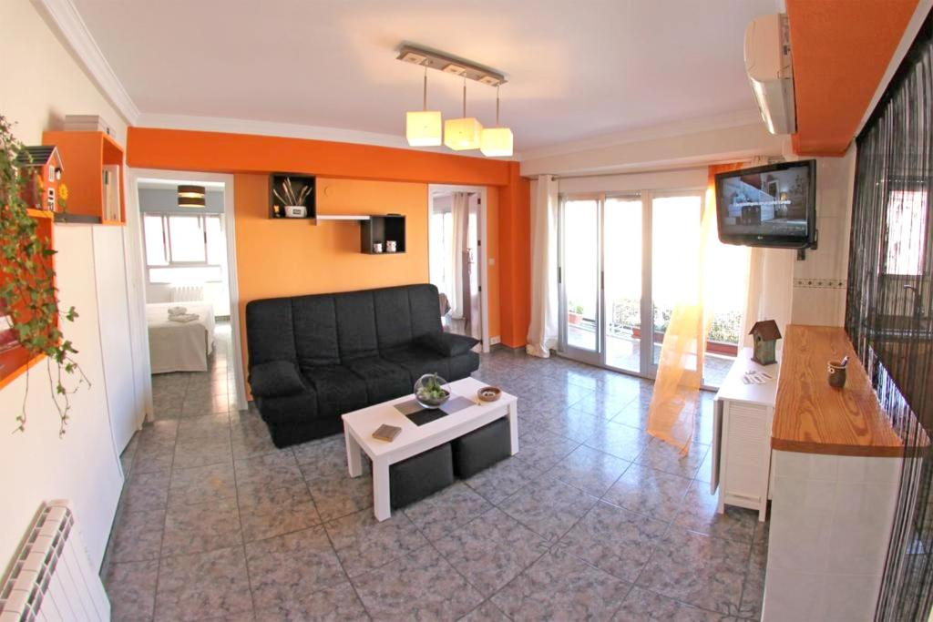 Zona de estar de Apartment with 3 bedrooms in Villena with wonderful city view balcony and WiFi 65 km from the beach