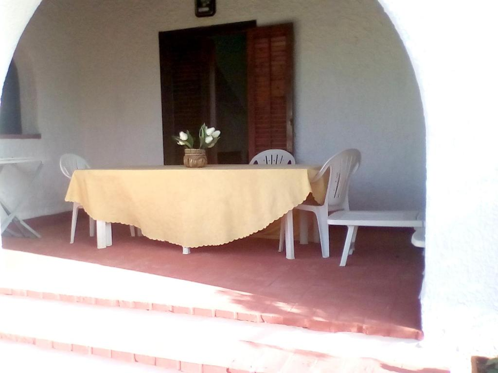 House with 2 bedrooms in Torretta Granitola with wonderful sea view and enclosed garden