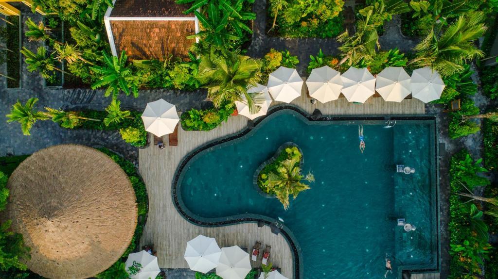 Vue sur la piscine de l'établissement La Siesta Hoi An Resort & Spa ou sur une piscine à proximité