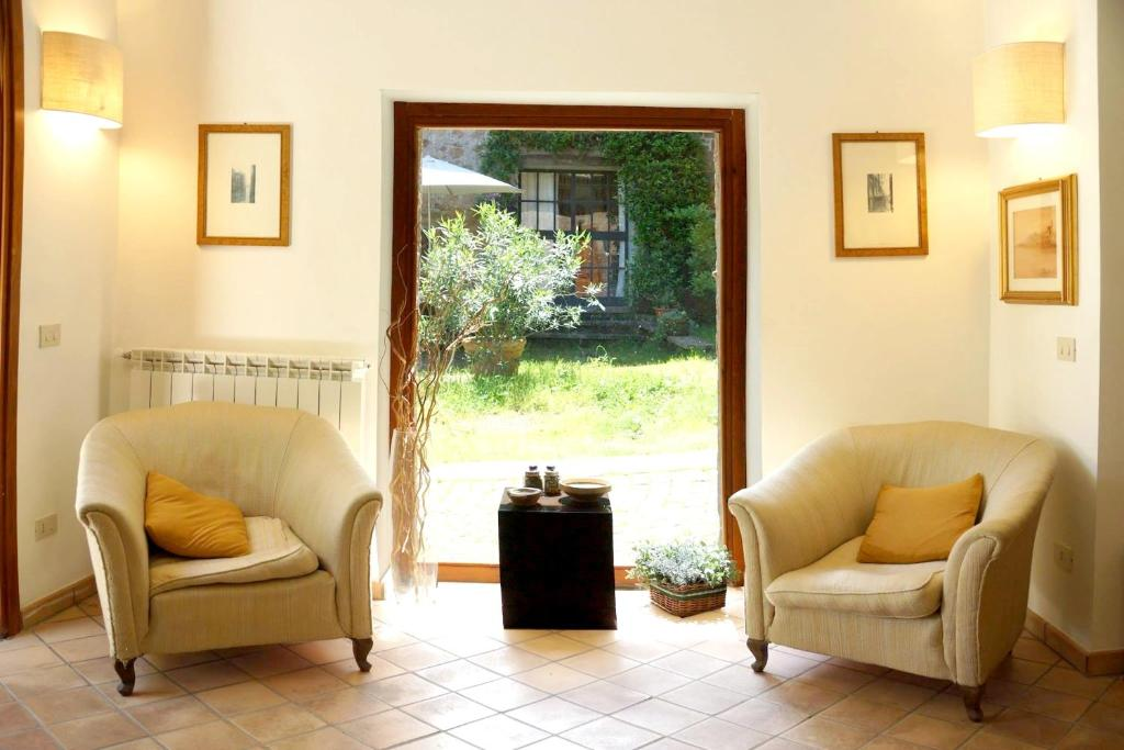Apartment with 2 bedrooms in Barbarano Romano with enclosed garden and WiFi 30 km from the beach