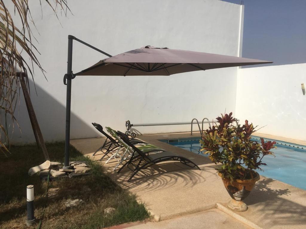 SALY - Villa Kage 6 chambres -Climatisation - Wifi - Eau chaude - Billard - Playstation - Ping pong - Canal Plus