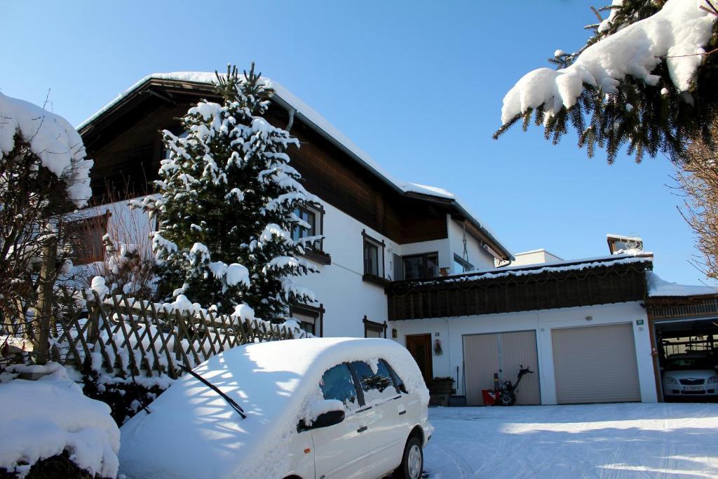 Haus Kinspergher im Winter