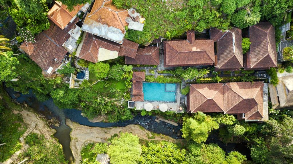 A bird's-eye view of Ani's Villas