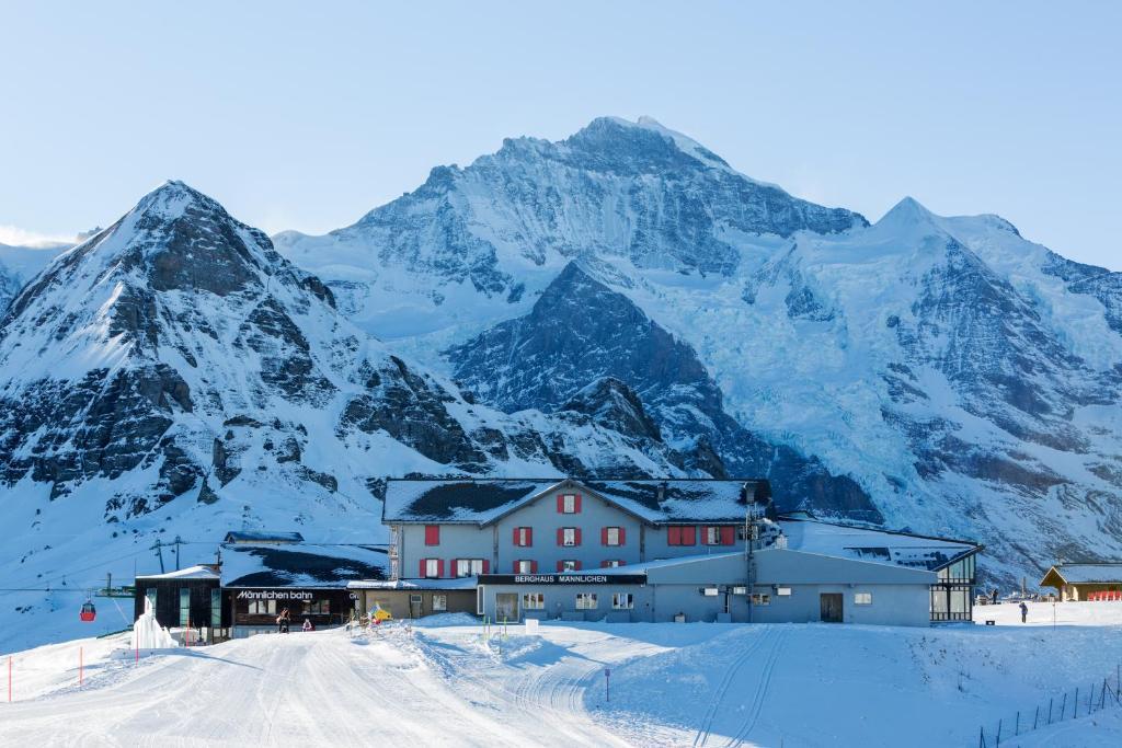 Berghaus Männlichen im Winter