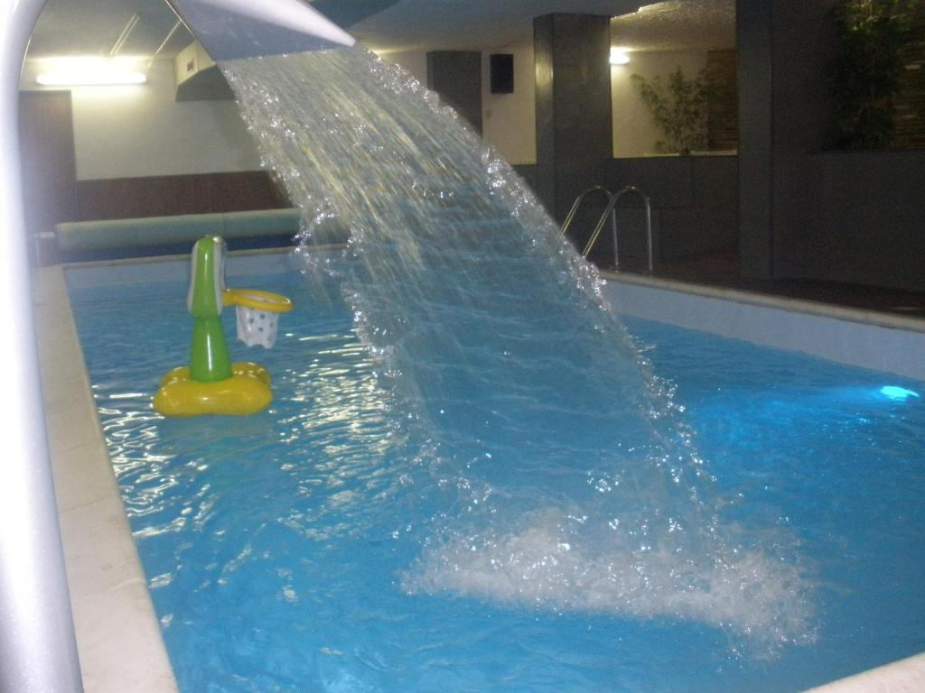 The swimming pool at or near Hotel Splendid