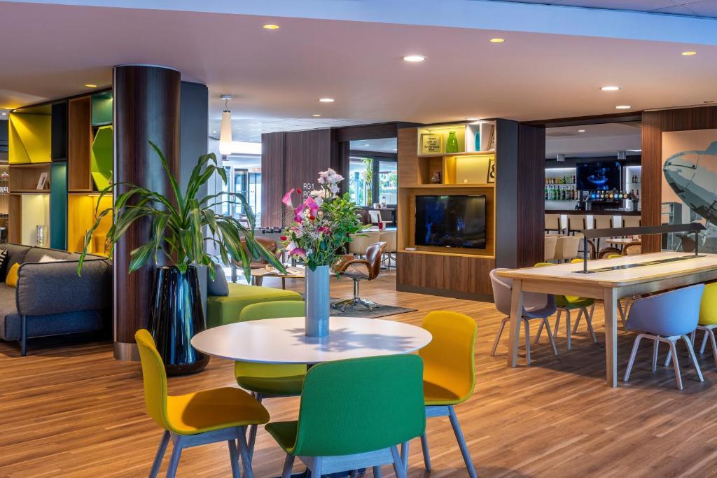Een restaurant of ander eetgelegenheid bij Holiday Inn Toulouse Airport