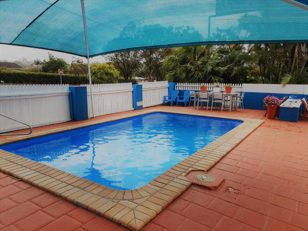 The swimming pool at or near Aspley Motor Inn