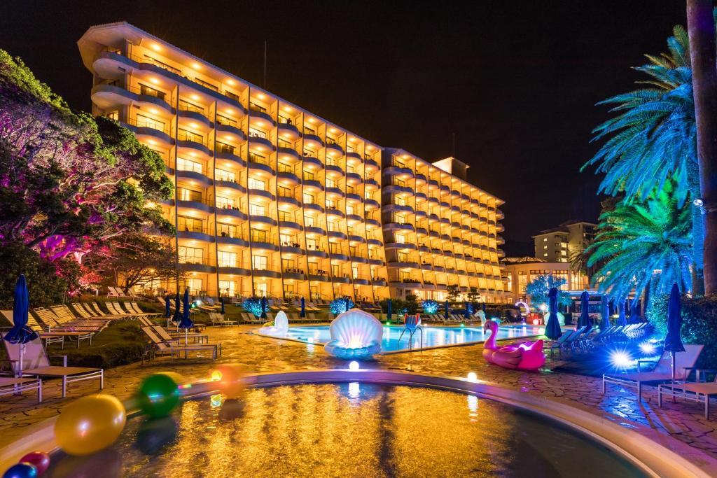 The swimming pool at or close to Izu Imaihama Tokyu Hotel